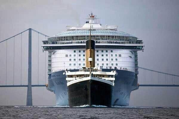 タイタニックと巨大客船