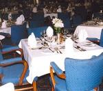 ディナー・夕食のテーブルの確認