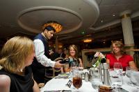 クルーズ客船の夕食・ディナー Dinner メニューと注文の仕方について
