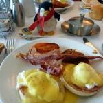 クルーズの朝食