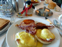クルーズ客船の朝食 Breakfast